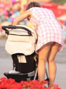 Young-Mom-Upskirt-n7cbtkwgg4.jpg