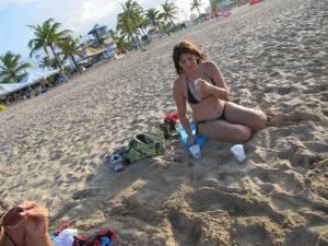 Candid-Bikini-Beach-x162-g7cdoje1kb.jpg
