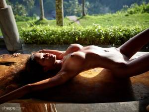 %5BUHQ%5D-Putri-Naked-In-Ubud-07-15-37ccul34hr.jpg