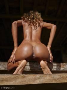 %5BUHQ%5D-Putri-Naked-In-Ubud-07-15-j7cculnyyj.jpg