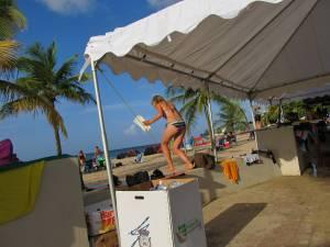 Candid-Bikini-Beach-x162-27cdo8vo5d.jpg