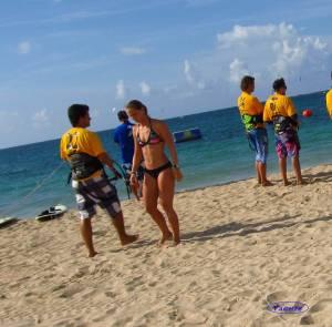 Candid-Bikini-Beach-x162-n7cdo7nei3.jpg
