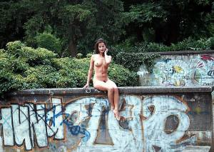 Nude-In-Public-Public-Nudity-Flashing-Outdoor%29-PART-2-g7cfas4vpu.jpg