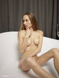 Jolie-Nude-Spa-37-pictures-14204px-67ch47xeh5.jpg