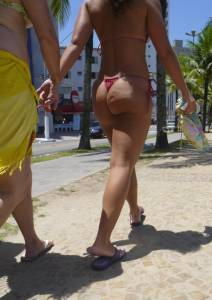 Hypnotic-Bubble-Butt-Latin-Girl-on-the-Streets-in-Micro-Thong-w_-her-Mom-h7cuwc6024.jpg