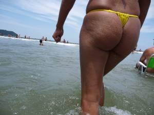 Tanned-Skin-and-Golden-Hairy-Butt-Milf-Thong-Bikini-on-the-Beach-47cuw2rlxd.jpg
