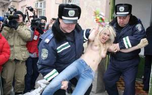 Femen-x124-q7dc60boai.jpg