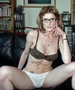 Skinny-Amateur-Brunette-Sex-Life-x280-m7ddx08bsz.jpg