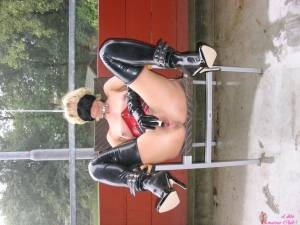 Blonde-Wife-Who-Loves-Gangbangs-And-Leather-Stockings-x190-l7decktgon.jpg