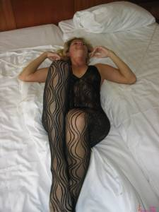 Blonde-Wife-Who-Loves-Gangbangs-And-Leather-Stockings-x190-p7dec7xzlv.jpg