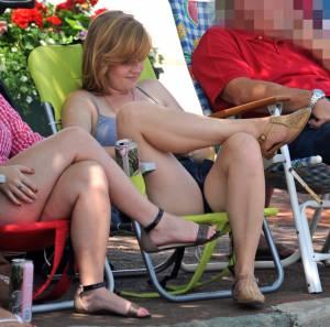 Candid-Voyeur-Beach-Pool-Street.-Spying-Girls-%5Bx293%5D-17dg830syh.jpg