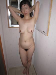 Asian-MILF-%2832-Pics%29-07dgitbfxq.jpg