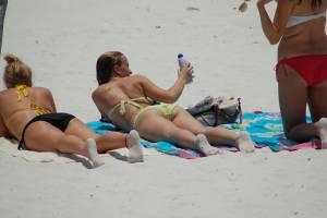 Beach-Babes-02-%28aka-What-are-friends-for-k7dgsqoz1p.jpg