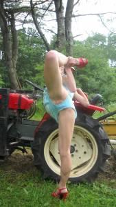 Amateur-Nude-Farmer-MILF-Humiliation-%5Bx46%5D-37dhgj313t.jpg