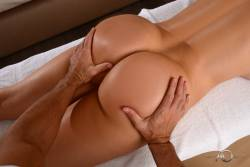 -Aletta-Ocean-Special-Treatment-From-My-Personal-Masseur-85x-27di5otpfm.jpg