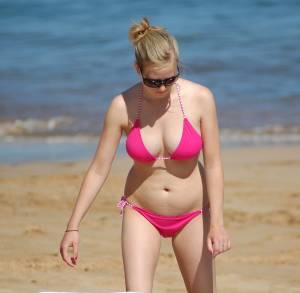 butfly...pink-hawaii-bikini-57di4iqr4a.jpg
