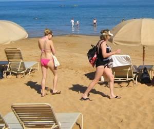 butfly...pink-hawaii-bikini-37di4itof4.jpg