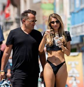 Rachel McCord - Topless Boob-Slip in Venice Beach (NSFW)17d4ef6zl6.jpg