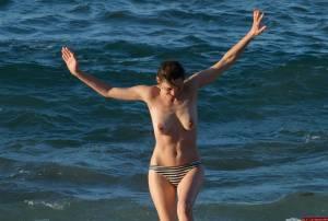 Marion-Cotillard-Nude%2C-Topless-Showing-her-Tits%2C-Nipples%2C-Pussy-%5Bx150%5D-z7dm4u2253.jpg
