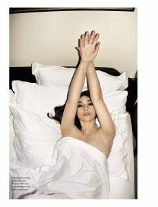 Monica-Bellucci--Sexy%2CTopless%2CNude-Pics-of-Hot-Italian-Bombshell-%5Bx435%5D-i7dtbft5ku.jpg