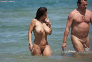 Italian-Hot-Model-Nicole-Topless-and-Naked-on-the-Beach-a7dtap6pug.jpg
