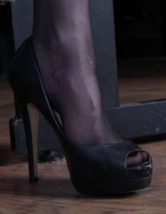 Woman-Worship-Goddess-Morrigan-femdom-feet-nylon-shoes-worship-o7ebaapgsw.jpg