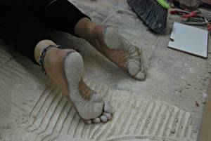 Barefoot-Cecilia_-Manual-Labor-Slave-Girl-With-Filthy-Soles-n7e48ffk6l.jpg