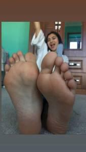 Chilean-Girlfriend-Feet-%5Bx30%5D-f7et942g4g.jpg