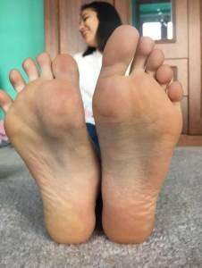 Chilean-Girlfriend-Feet-%5Bx30%5D-d7et94uubj.jpg