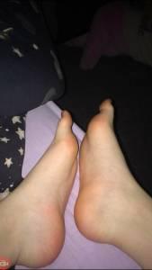 Ex-Girlfriend-Feet-%5Bx18%5D-o7et9apu7a.jpg