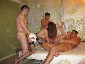Homemade-Gangbang-Party-Sex-XXX-s7faivngw7.jpg