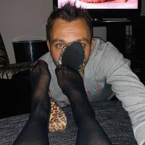 Straight-boy-in-love-with-lesbian-feet-x9-z7fa1ej2g2.jpg
