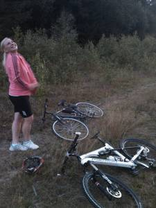 Sex-with-girlfriend-in-the-mountain-with-mountain-bikes-x29-n7fa9k3xf3.jpg