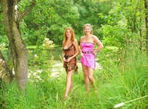 Two-girlfriends-having-fun-together-%5Bx68%5D-c7fantgwpy.jpg