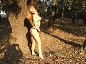 Horny-Outdoors-Teen-Girlfriend-x101-s7faume0ra.jpg