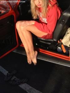 Tall-Goddess-Car-Feet-x24-s7fba01f24.jpg