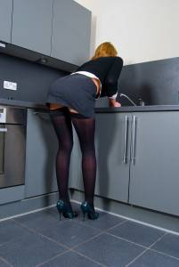 Leigh-Darby-in-black-stockings-%5Bx81%5D-x7fbe2qyph.jpg