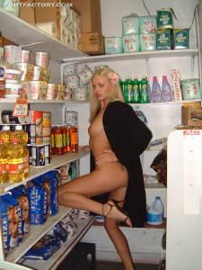 Tall-Goddess-Mini-Market-x25-h7fba1tbkg.jpg