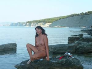 Nudist-Couple-On-Vacation-%5Bx174%5D-o7fbdh23kx.jpg