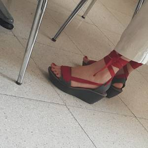 Turkish-teacher-feet-candids-%5Bx18%5D-e7fbaano2o.jpg