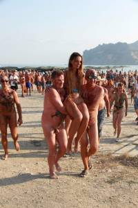 Nudist-Beach-Party-%5Bx52%5D-o7fbcxiwwr.jpg