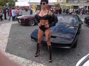 Car-show-girl-ass-candid-p7fbako0ff.jpg