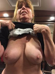 MILF-Julie-Flashing-Her-Big-Tits-%5Bx11%5D-z7faxdlnfv.jpg