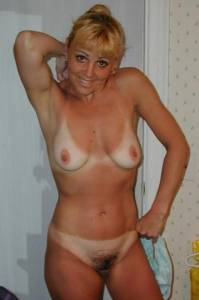 Milfs-With-Tanlines-w7fcxp30xr.jpg