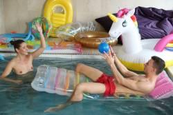 Sybil-Unicorn-Pool-Party-122x-h7fgbm6nx4.jpg