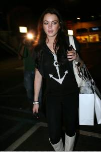 Lindsay-Lohan-Pussy-Photos-g7hpvr2wf3.jpg